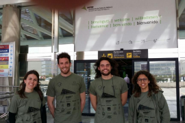 Voluntarios de Binissalem amb les persones refugiades