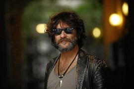 Quique González desvela en Palma su nuevo disco, 'Me mata si me necesitas'