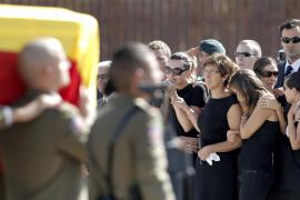 Los Príncpes de Asturias presiden el funeral por los militares muertos en Afganistán