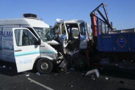 Dos heridos graves en otra colisión frontal en la carretera de Llucmajor a Campos