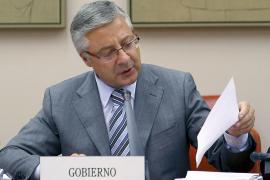 El Gobierno fijará un tope a las ayudas al transporte aéreo para Balears y Canarias