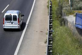 Muere un peatón tras ser golpeado por el retrovisor de un camión en la autopista de Levante