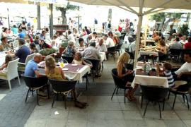 Preocupación e indignación de los restauradores de Pollença por la nueva ordenanza de vía pública