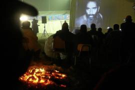 Las autoridades chilenas estudian cómo entretener a los mineros atrapados