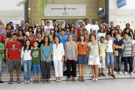 Más de un centenar de adolescentes inmigrantes aprenden catalán en verano