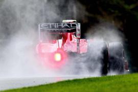 Webber se hace con la 'pole'  con Alonso décimo, en una sesión bajo la lluvia