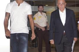 Ibrahimovic deja de ser jugador del Barça