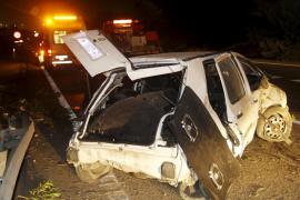 Un coche pierde el control e invade el carril contrario en la autopista de Llucmajor