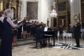 S'Agrícola rinde tributo al arzobispo Lluís Ladaria con la entrega de la A d'Or