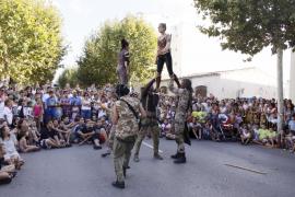 Circo en la calle para 'olvidar' la novillada
