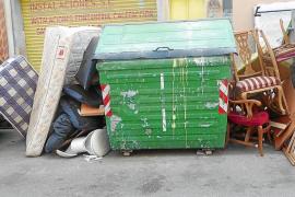 El incivismo en la recogida de trastos en Palma ya suma casi cien multas
