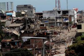Sigue aumentando la cifra de muertos del terremoto de Ecuador
