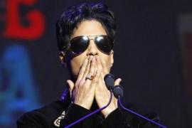Familiares, amigos y sus músicos despiden a Prince