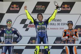 Rossi no da opción a Lorenzo en Jerez