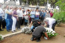 Artà reclama la apertura de las dos fosas comunes del municipio