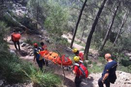 Rescate de un escolar que sufrió una caída grave en s'Avenc de Son Pou