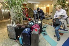 Gobierno y hoteleros califican de «caos» los viajes del Imserso a Balears y Canarias