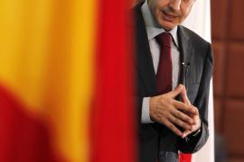 Zapatero asegura que tomará más decisiones «difíciles» si son necesarias
