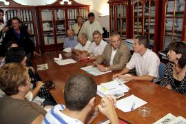 Vecinos de la Platja de Palma registran sus protestas en el Consell