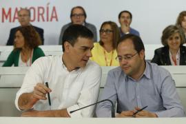 Pedro Sánchez pide «unidad y confianza» en él a los compañeros de partido
