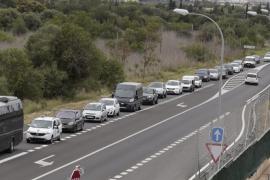 Miles de ciclistas colapsan las carreteras durante la Mallorca 312