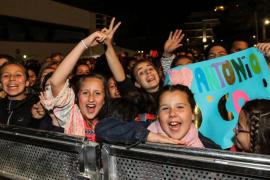 La voz de Antonio Orozco arranca las festes de maig de Santa Eulària