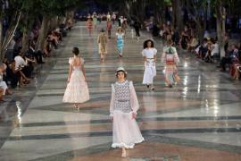 Desfile histórico de Chanel en La Habana