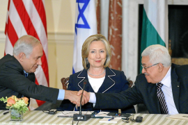 U.S. Secretary of State Clinton with Netanyahu and Abbas during peace talks in Washington