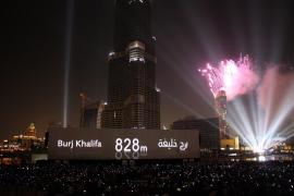 La crisis no impide a Dubai inaugurar el rascacielos más alto del mundo