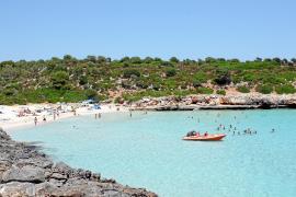 La propiedad de Cala Varques quiere implicarse en la gestión de la playa