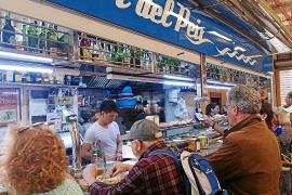 Expectación en el Bar del Peix