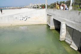El problema de las aguas turbias persiste en una parte de s'Arenal