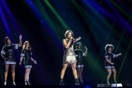 Barei sorprende en los primeros ensayos de Eurovisión con una caída fingida
