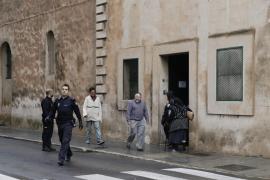 Detenido por sacar un cuchillo en la cola de los capuchinos