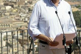 Rajoy afirma que la mejor medida de política económica es cambiar al actual Gobierno