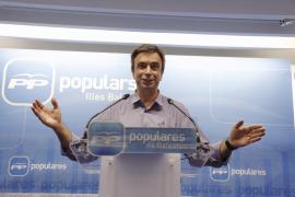 Miquel Vidal, ratificado por Madrid, enseña este miércoles la navaja en la Junta Directiva Regional del PP