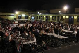 El municipio se vuelca con la cena anual de 'Poble Solidari'