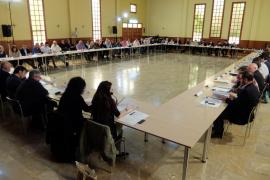 La Assamblea de Batles i Batleses impulsará medidas para limpiar los vertederos ilegales