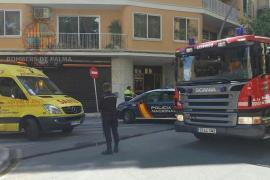 Dos personas intoxicadas en un incendio en un piso de Palma