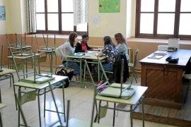 Educació anula el Bachillerato nocturno en el Ramon Llull para el curso que viene