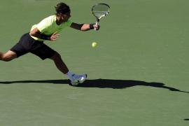 Nadal progresa en su juego y se mete en octavos tras superar a Simon