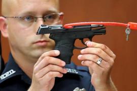Retiran la subasta del arma del policía que mató al joven negro Trayvon Martin