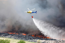 Los bomberos aíslan el incendio de Seseña en una área de 11 hectáreas