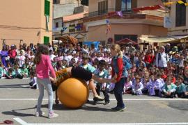 El Mercat Medieval acoge a los escolares de Capdepera con una merienda