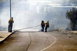 Los bomberos logran extinguir el incendio de Son Valentí