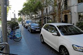 Polémica ante el posible cierre del carril de vehículos de la Plaça d'Espanya