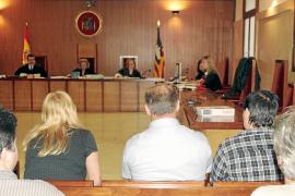 Los acusados de forzar a prostituirse a una mujer en Palma niegan los hechos