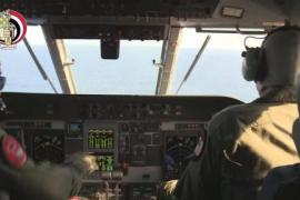 Mensajes revelan fuego dentro del avión de Egyptair antes de estrellarse