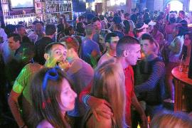Calvià pone coto a los 'tiqueteros' en las 'zonas calientes' de Magaluf y Santa Ponça
