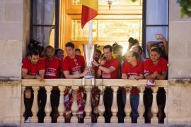 EL SEVILLA COMIENZA SU PASEO TRIUNFAL PARA FESTEJAR SU QUINTA LIGA EUROPA
